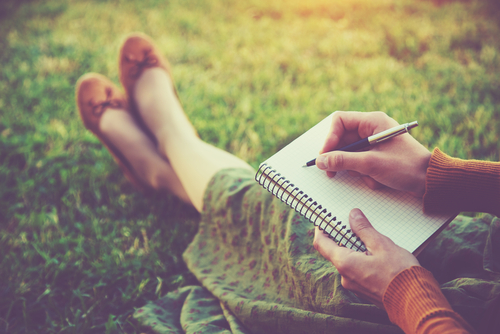 journaling-writing-therapy-relapse