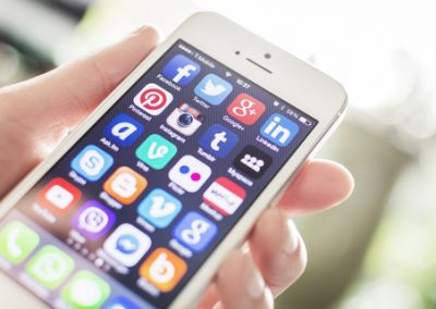 Should You Avoid Social Media Early in Recovery?